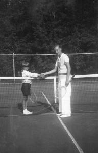 Zukunft-Heiligendamm-Meine-Erinnerungen-Harald-mit-Vater-Shorty-1931