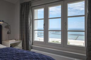 Schlafzimmer mit Meerblick: Wer will da schon aufstehen?! Fotos: Nils Bermann